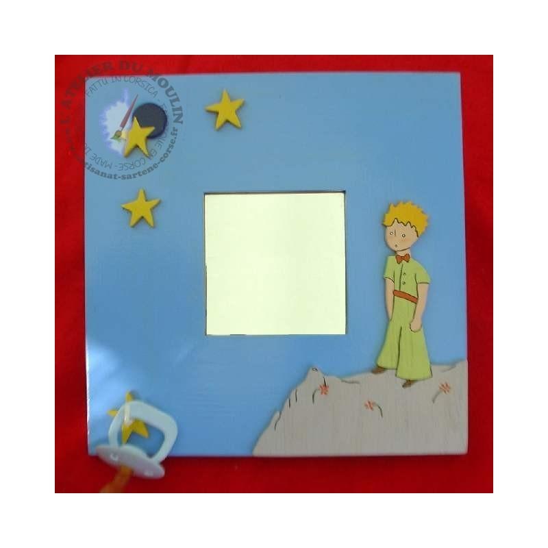 Miroir en bois décoré du Petit Prince muni d'un petit crochet