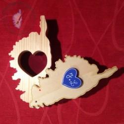 Boîte Corse avec un cœur découpé pour y glisser les alliances