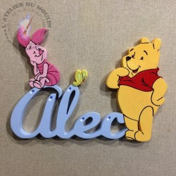 Plaque de porte prénom en bois avec Winnie, Porcinet et le papillon