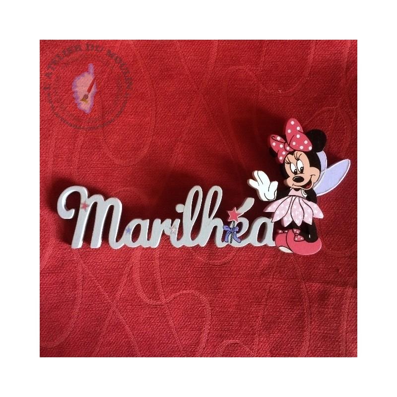 Robe rose et prénom gris clair